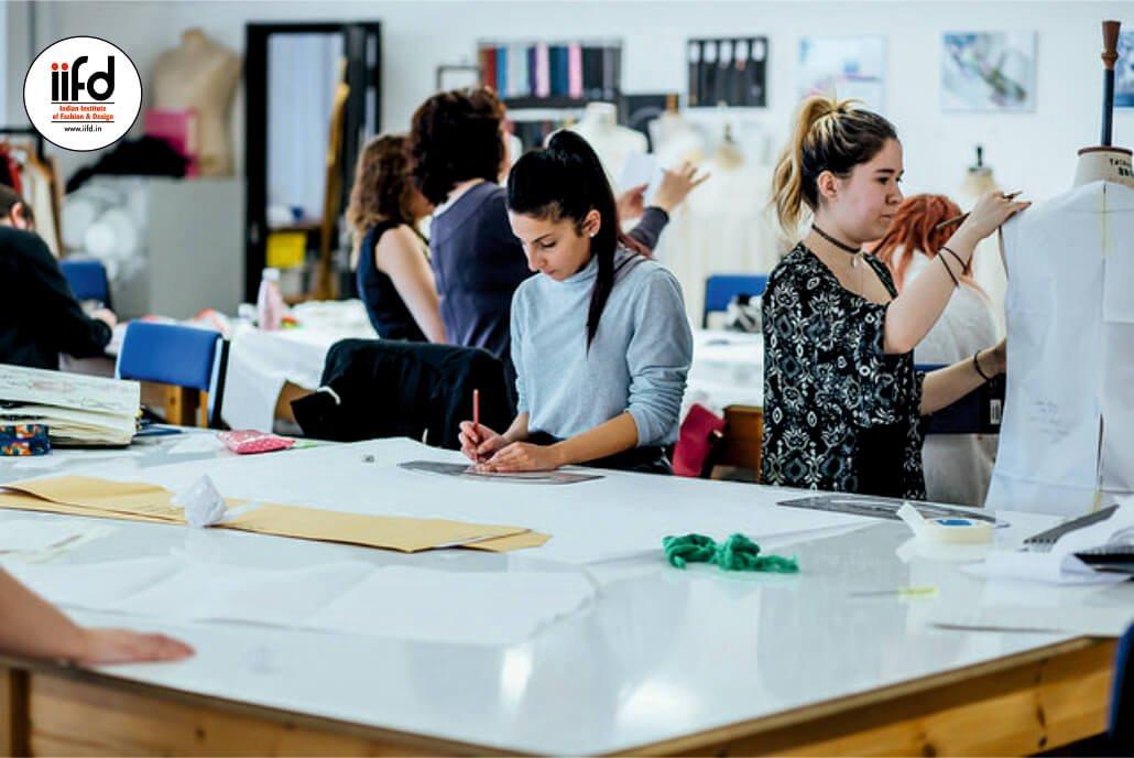 Best Fashion Designing College